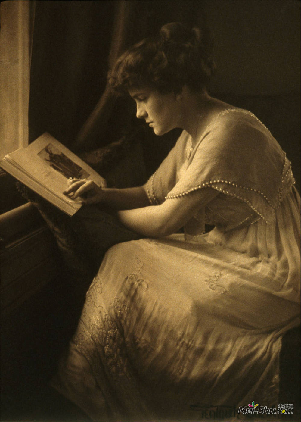 格特鲁德·卡斯比尔(Gertrude Kasebier)高清作品《Portrait of Martine McCulloch》