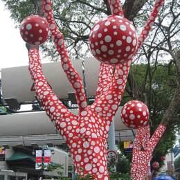 《樹上波爾果多的揚升》草間彌生(Yayoi Kusama)高清作品欣賞